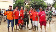 001 Rescue Perindo Bantu Korban Paska Banjir Bekasi