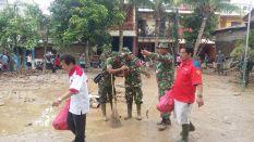 006 Rescue Perindo Bantu Korban Paska Banjir Bekasi