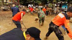 008 Rescue Perindo Bantu Korban Paska Banjir Bekasi