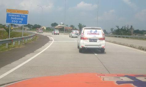 Rescue Perindo Bantu Korban Longsor dan Banjir Bandang di Subang