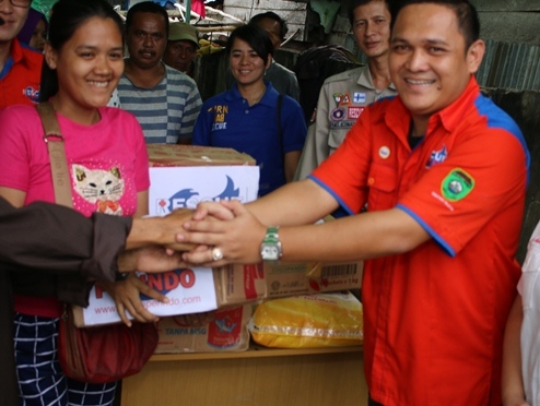 Rescue Perindo SumSel Bantu Korban Kebakaran di Tangga Buntung
