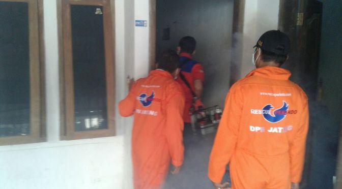 Basmi Nyamuk DBD, Rescue Perindo Semarang Adakan Fogging