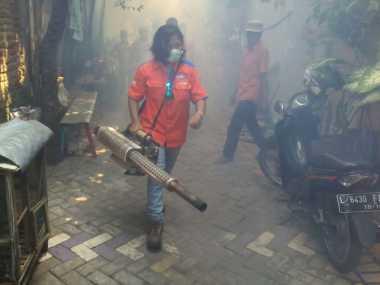 Rescue Perindo Gelar Fogging, Warga Surabaya Senang