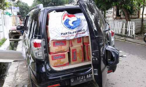 Medan Berat, Perindo Tempuh 81 Km Tiap Hari Bantu Korban Banjir Bima