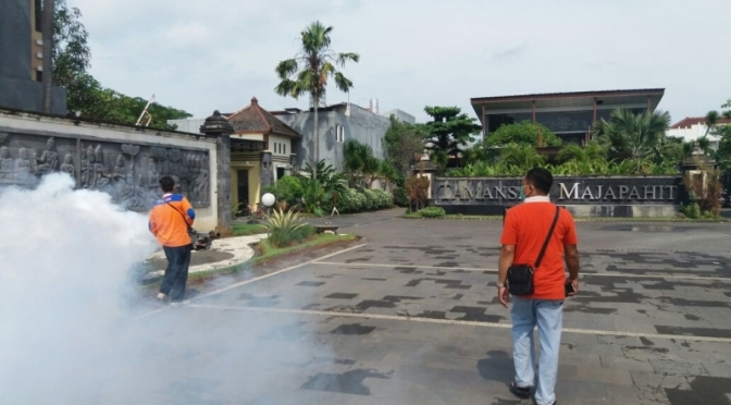 Tangkal Demam Berdarah, Rescue Perindo DPW Jawa Tengah, Fogging Perumahan Elit di Kota Semarang