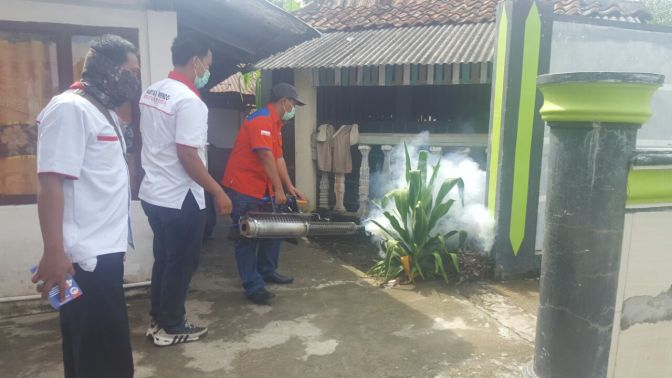 MANTAP! Rescue Perindo SumselFoggingRatusan Rumah Warga Ogan Ilir