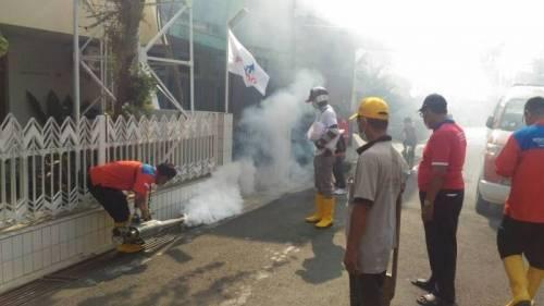 Dua Orang Terserang DBD, Warga Semarang Antusias SambutFoggingPerindo