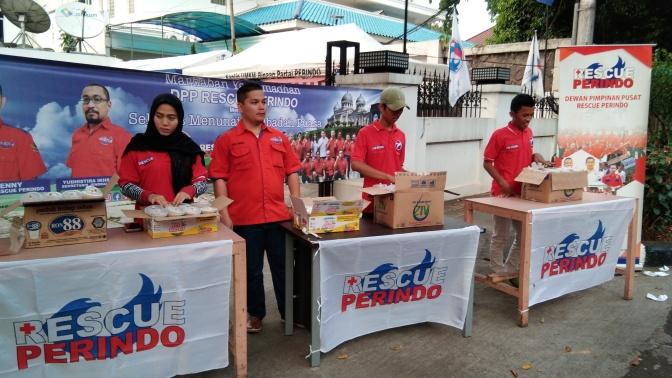Bulan Ramadan, Rescue Perindo Bagi-Bagi Takjil di Jakarta