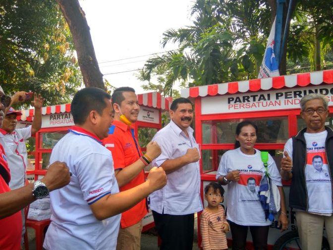 Mantap! Rescue Perindo Bagikan 5 Gerobak UMKM Asli Jepara ke Pedagang Jakarta